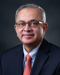 Asif Hashmi, MD - Funcionario institucional designado (DIO)